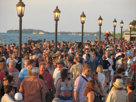 mallory square sunset celebration crowd